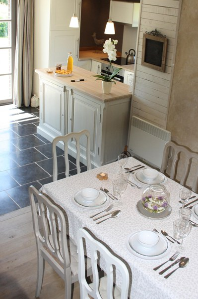 photo intA(c)rieure table cuisine compressA(c)